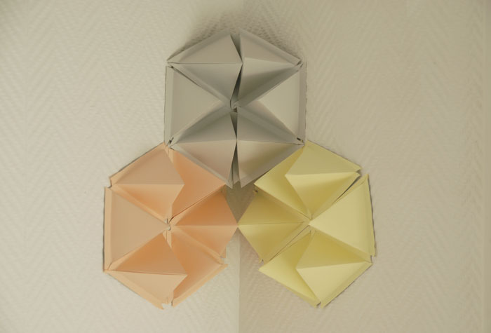 design mural, hexagones en volume, origami, papier, laure devenelle