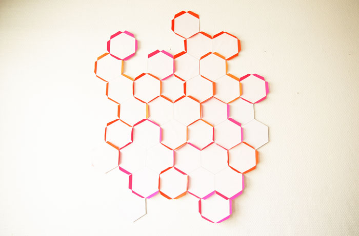hexagone en papier, élément mural modulable, design Laure Devenelle