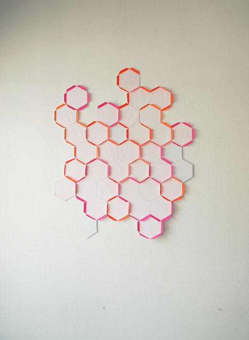 hexagone en papier, élément mural modulable, design Laure Devenelle