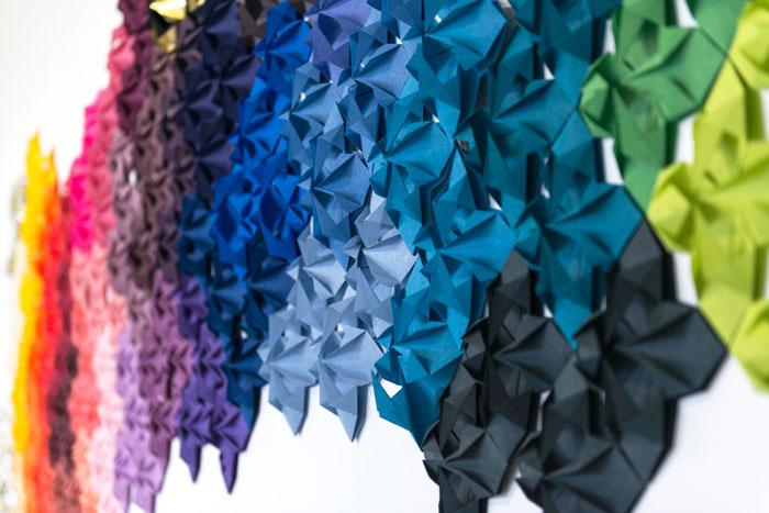 Nuancier-drop-paper-fleur-origami-pattern-Procédés-Chénel-decembre-2015-Laure-Devenelle