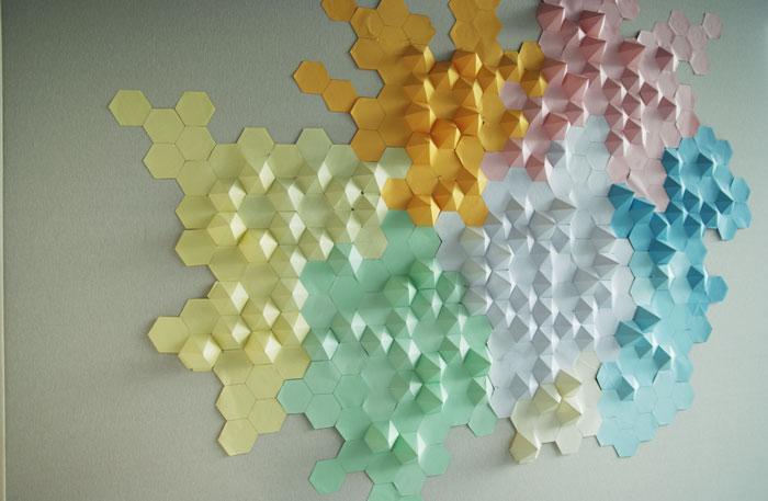Paysage, installation origami papier 3D, cartographie, montagne, Origami, papier, hexagone, pliage, mur, espace, Laure Devenelle