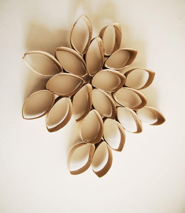 fleur-détournée Découpe-rouleaux, carton, Laure Devenelle