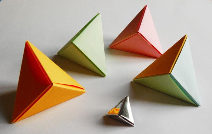 3d Origami Triangle Paper Guide Design Graphique Laure Devenelle Designer Papierscnographe