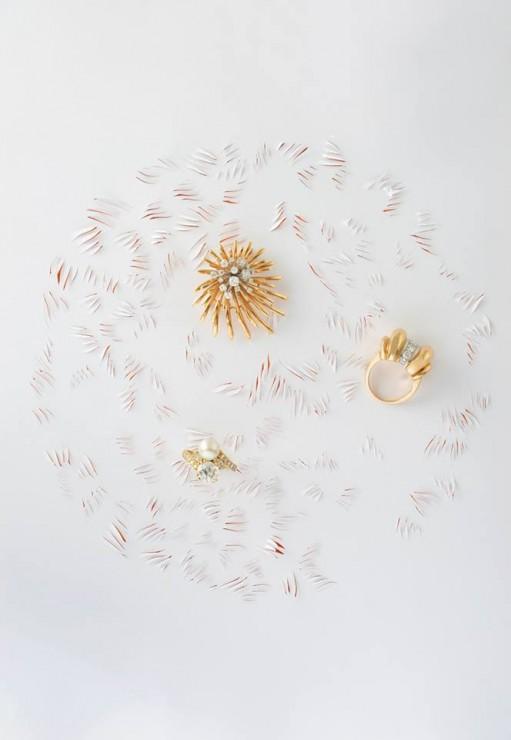 Installation Kirigami, griffe papier, SET DESIGN PAPER POUR LE CATALOGUE D'UNE VENTE AUX ENCHÈRES DE BIJOUX CHEZ OSÉNAT: MAISON DE VENTE AUX ENCHÈRES, laure devenelle, 2015