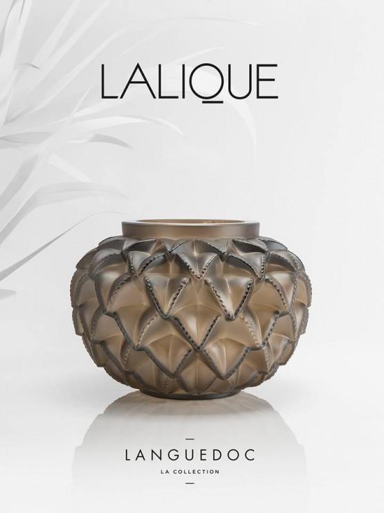 couverture, Vase Languedoc, SET DESIGN PAPER POUR LE CATALOGUE LALIQUE CRISTAL - COLLECTION LANGUEDOC AH 2015, INSTALLATION ET CRÉATION DE VÉGÉTAUX EN PAPIER BLANC, KIRIGAMI, PAPIER DÉCOUPÉ, PARIS 2015, LAURE DEVENELLE
