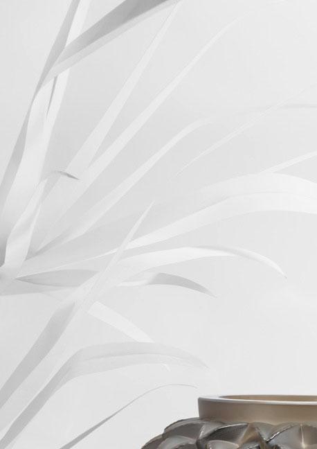 feuilles-couverture SET DESIGN PAPER POUR LE CATALOGUE LALIQUE CRISTAL - COLLECTION LANGUEDOC AH 2015, INSTALLATION ET CRÉATION DE VÉGÉTAUX EN PAPIER BLANC, KIRIGAMI, PAPIER DÉCOUPÉ, PARIS 2015, LAURE DEVENELLE