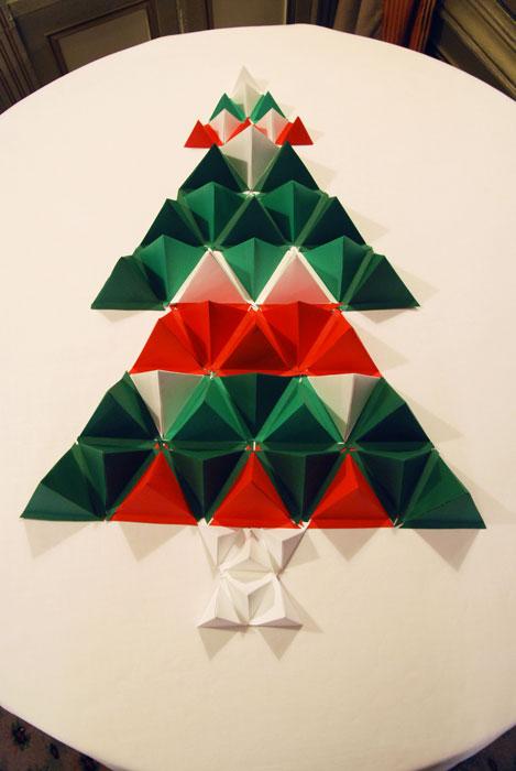 Badoit-Sapin-paper-art-Laure-Devenelle