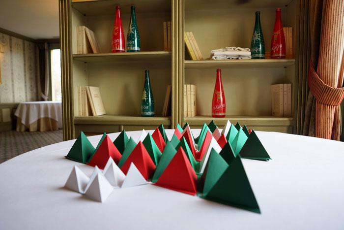 Badoit-Sapin-zoom-paper-art-Laure-devenelle