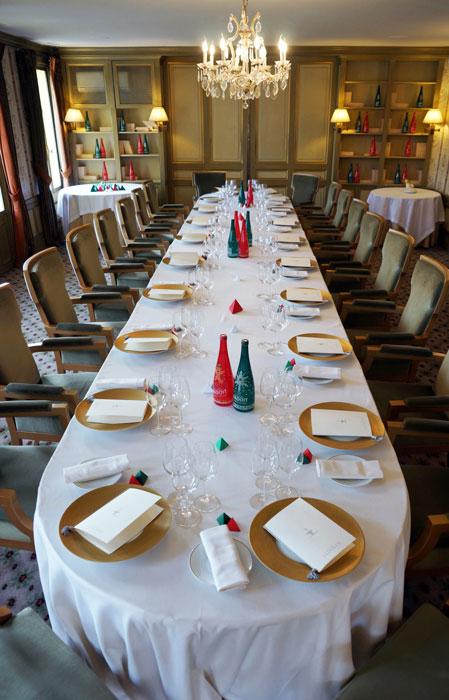 Badoit-Table-1-paper-art-Laure-Devenelle