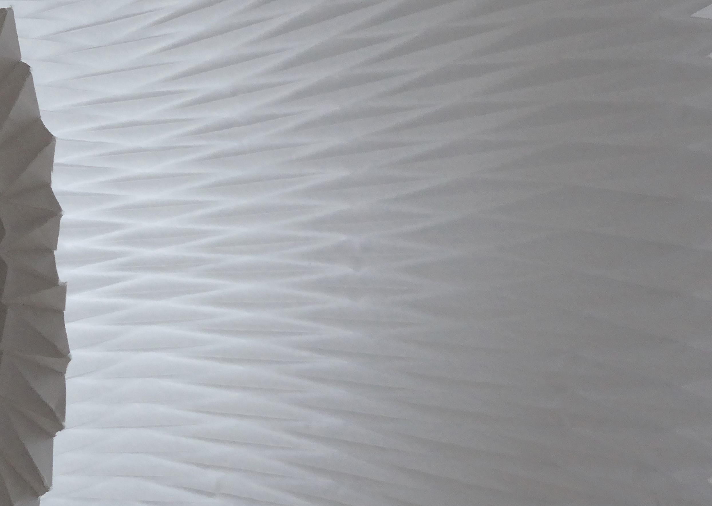Surface papier, jeu de plissé, peau, technique origami et volume 3D, étude pour Helena Rubinstein, Laure Devenelle