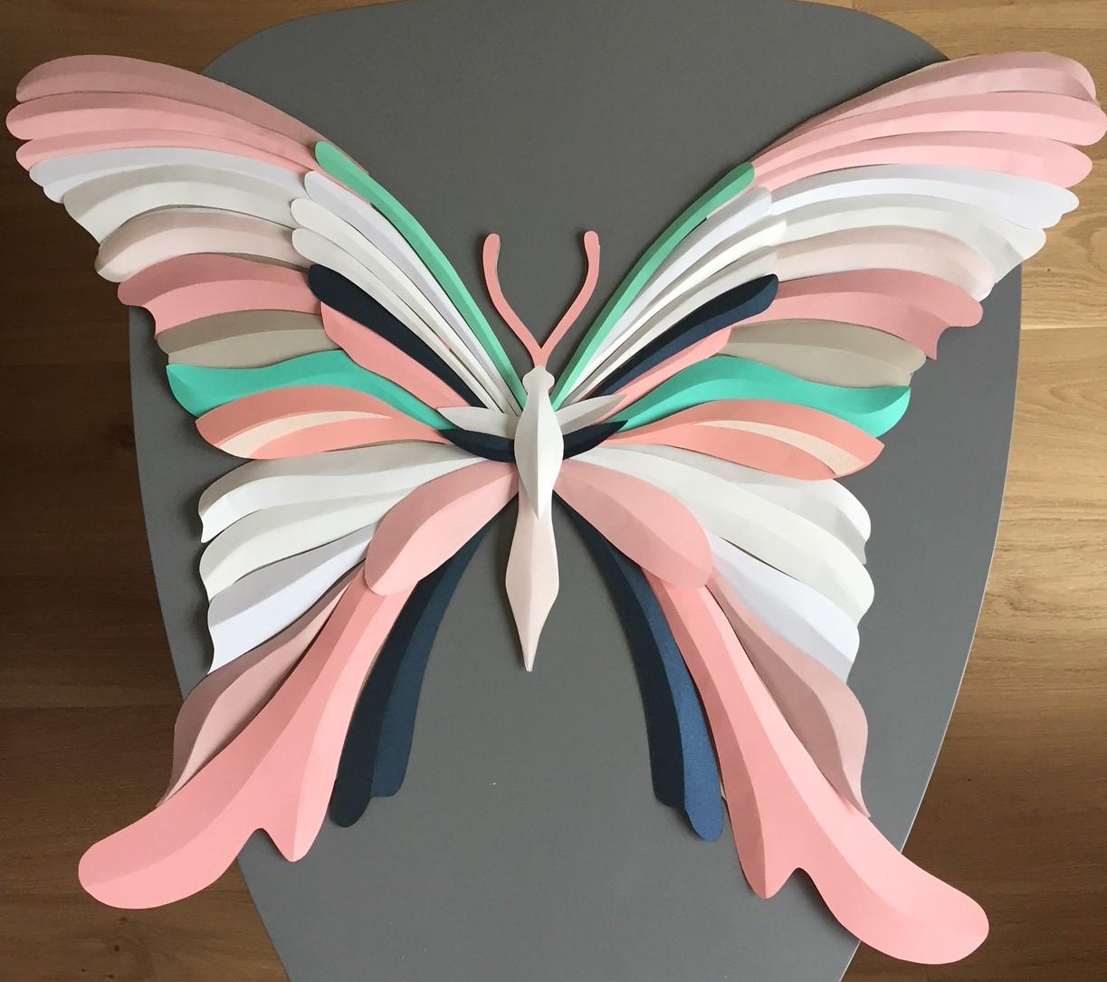 Papillon, 3D paper, sculpture, volume, kirigami, découpe papier, scenographie de vitrine avec mapetitevitrine, création, 2018, Laure Devenelle