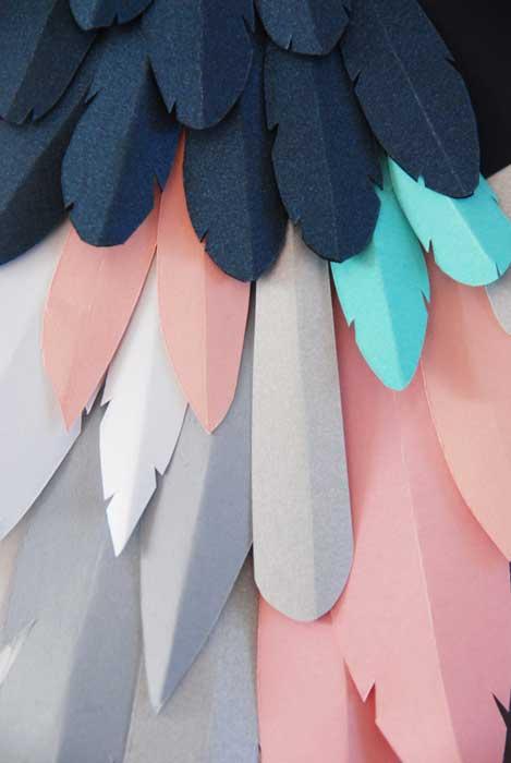 Oiseau, zoom plumage, 3D paper, sculpture, volume, kirigami, découpe papier, scenographie de vitrine avec mapetitevitrine, création, 2018, Laure Devenelle
