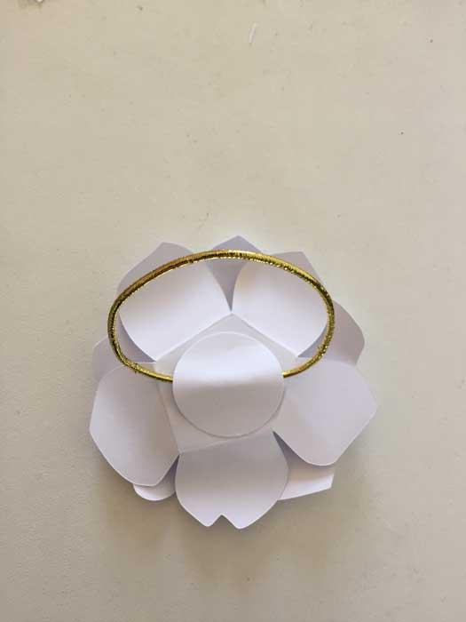 Fleur soleil, bracelet, Paper Art, commande pour un lancement de parfum pour Azzaro, 2018, Laure Devenelle