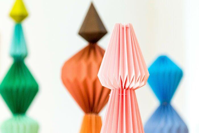 Zoom-Totem-origami-pliage-l'homme-mineral-photographie-mairie-de-Cormeilles-en-parisis-creation-papier-Laure-Devenelle-2018