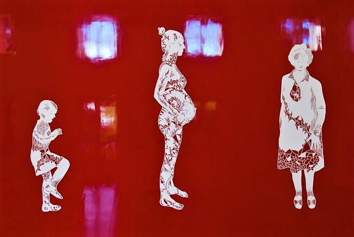 Etres-kirigami-papier-decoupe-exposition-personnelle-metamorphoses-Lamaziere-cormeilles-en-parisis-©-Laure-Devenelle-2018