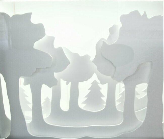 foret-de-sapin-scenographie-de-vitrines-paper-art-kirigami-superposition-de-papier-bijouterie-lamy-annecy-laure-devenelle