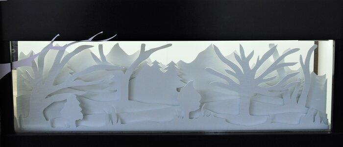 foret-neige-scenographie-de-vitrines-paper-art-kirigami-superposition-de-papier-bijouterie-lamy-annecy-laure-devenelle
