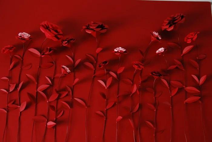 Roses-rouge-paper-art-set-design-pour-maison-Francis-Kurkdjian-nouvel-an-chinois-2020-Laure-Devenelle