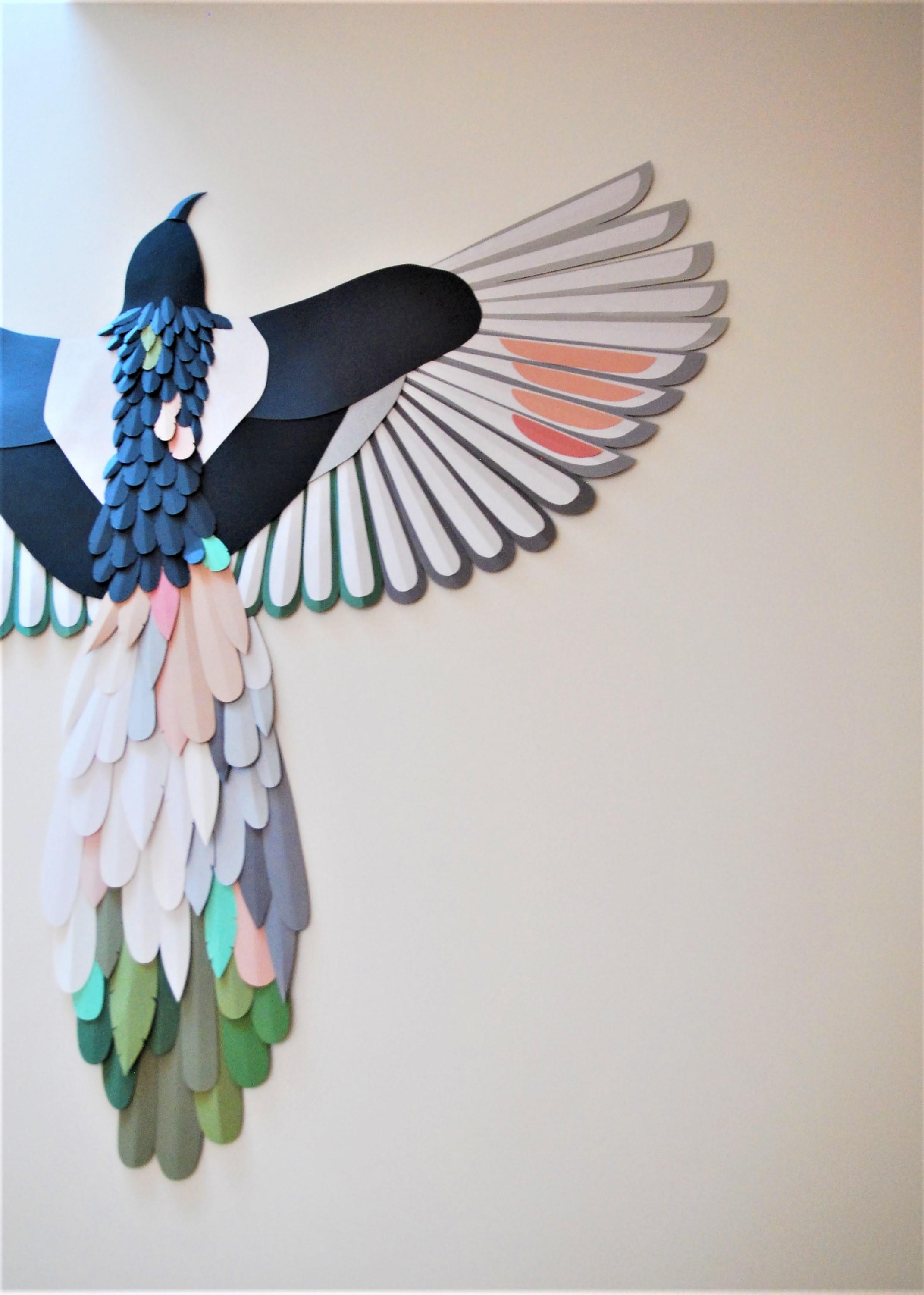 envolee-installation-sculpture-murale-paper-oiseau-plumes-evanescence-Laure-Devenelle-2020